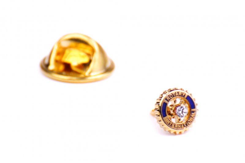Rotary Anstecker mit Center Stone 7 mm